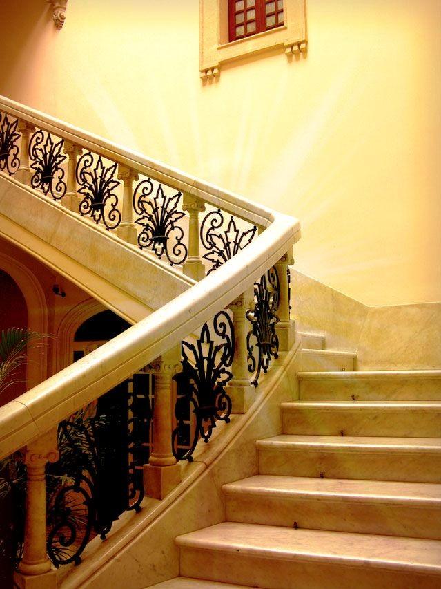 moi-stairway